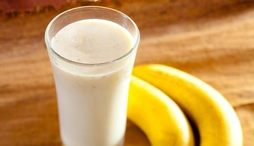 Quick Banana Oat Protein Shake Recipe